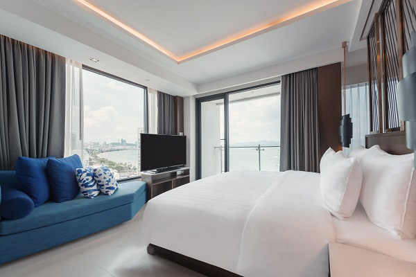 The Mytt Beach Hotel in Pattaya is a modern, Set in the heart of North Pattaya, just a few steps away from the beach, our luxury 5-star Pattaya hotel provides exceptional facilities at surprisingly affordable rates, making it truly outstanding value for money.