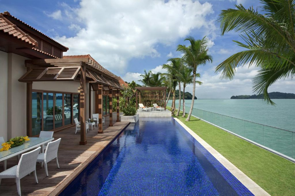 Beach Villas is located at one of Singapore's famous man-made island, Sentosa. Sentosa Island is well known for its family-friendly vacation spot.