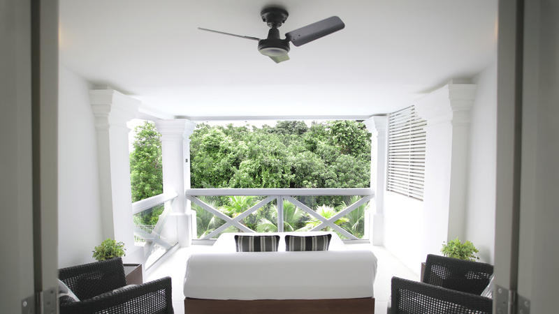 Amara Sanctuary Resort Singapore, one of the most romantic resorts in the island of Singapore. Here you will be able to learn about the history of Singapore.