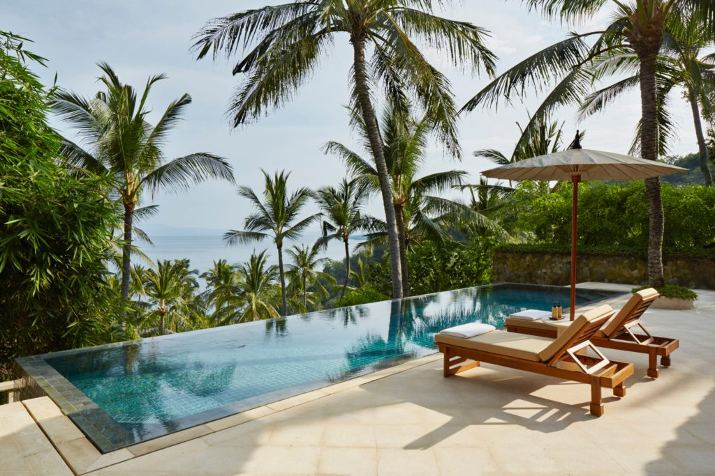 A spirit-lifting sanctuary located on the peaceful bucolic east coast with a sweeping stretch of private beach Freestanding suites with private pools and expansive terraces for in-room dining. Open-air terrace restaurant overlooking the deep blue of the Lombok Straits